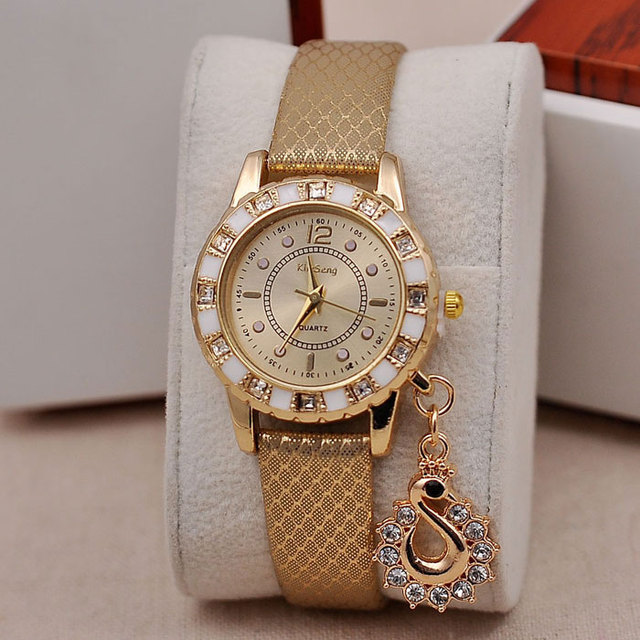 Hot Fashion Lady Dress Watches Luxury Swan Pendant Wristwatches Women Quartz Rel