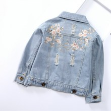 купить Scratch Kids Girls Outerwear Denim Jeans Jackets For Children Embroidery Flower Baby Girl Coats Infant Autumn Clothing Outfits по цене 1047.96 рублей