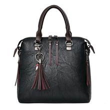 Fashion Tassel Women Shoulder Bags Large Capacity Casual Leather Female Handbag Rivet Zipper Crossbody Bags for Women