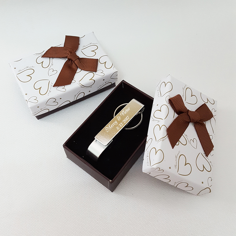 personalised wedding favour silver key ring bottle opener keychain with gift box personalized. Black Bedroom Furniture Sets. Home Design Ideas
