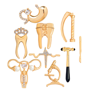 Crystal uterus microscope Gold Silver color jewelry Medical brooches Collection scalpel stomach tooth pins for Doctor friend(China)