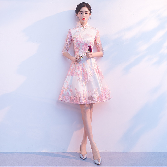 레이스 참신 a 라인 레이디 Cheongsam 하프 슬리브 우아한 여성 Qipao 특대 3XL Vestidso 섹시한 신부 웨딩 파티 드레스 가운