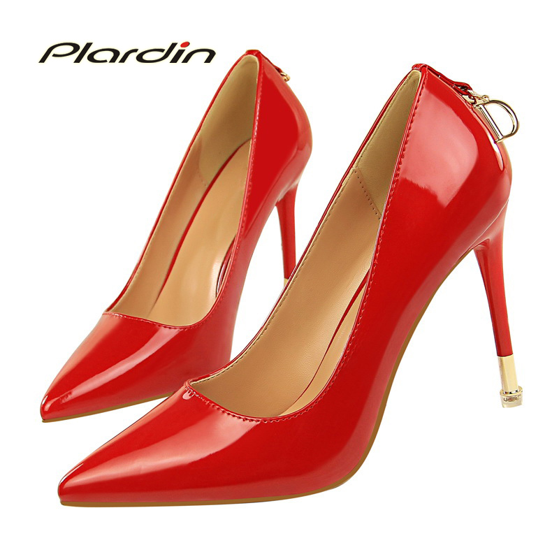 plardin 2018 Korean version of the simple thin with high patent leather shallow mouth sharp metallic D-button sexy thin shoes 16cm fine with high heels female korean version of the sexy thin bow shoes round head shallow mouth shop shoes