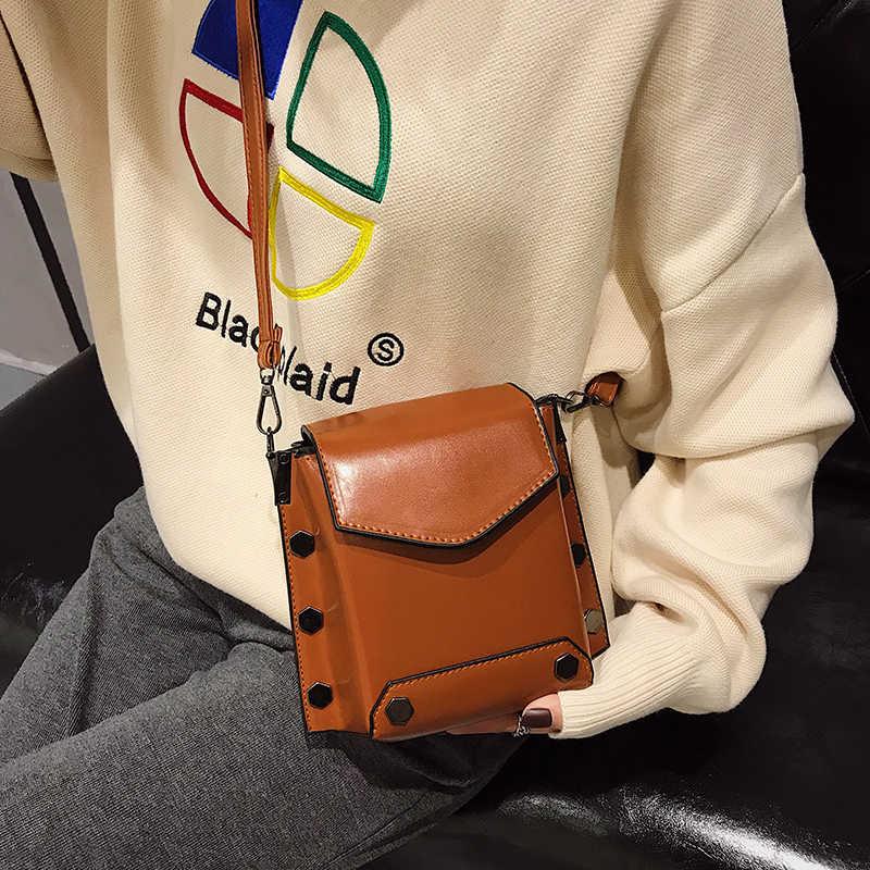2019New Винтаж Для женщин Crossbody телефона Джокер досуг сплошной маленькая нагрудная сумка кошелек из искусственной кожи дамы заклепки мешок карты посылка