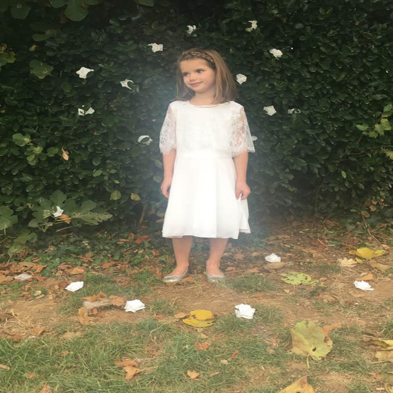 Здесь можно купить   New Lace First Communion Dresses for Girls Sleeveless Vestido Infantil Satin Mother Daughter Dresses for Party and Wedding  Детские товары
