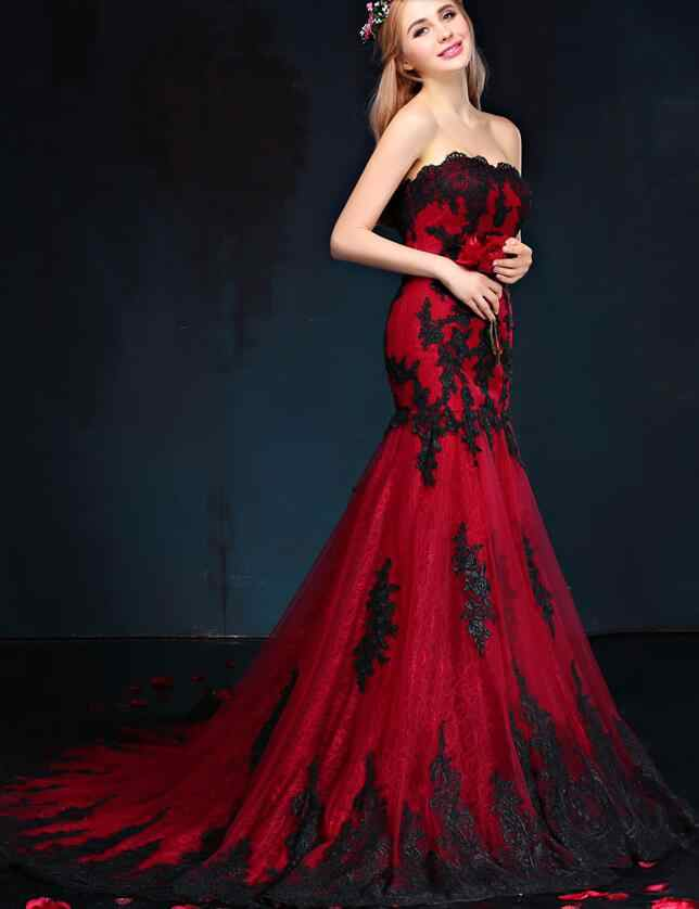 c6231cc55782 ... Black And Red Gothic Wedding Dresses Mermaid Sweetheart Lace Appliques  Tulle Corset Back Vintage Colorful Wedding ...