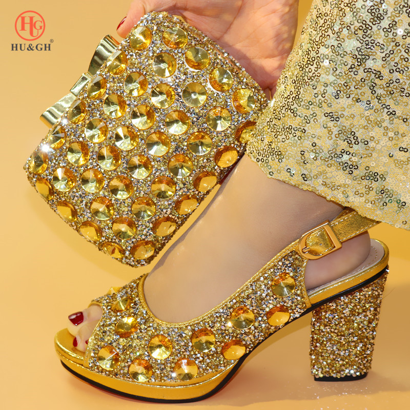 최신 골드 컬러 아프리카 신발과 일치하는 가방 이탈리아어 일치하는 구두와 가방 발 뒤꿈치에 설정 아프리카의 결혼식 신발과 가방 세트-에서여성용 펌프부터 신발 의  그룹 1