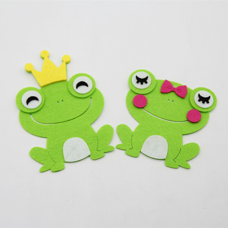 2pcs Lovely Cute Frog Fabric Felt Free Cutting  DIY Toy Handmade Sewing Cloth Crafts Children Puzzle Gift Decor Room Study Tools