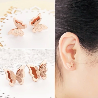 YUN RUO Brand Engros Hot Sell 316l Titanium Steel Rose Gold Color Butterfly Stud Øreringe Kvindemodesmykker Top kvalitet