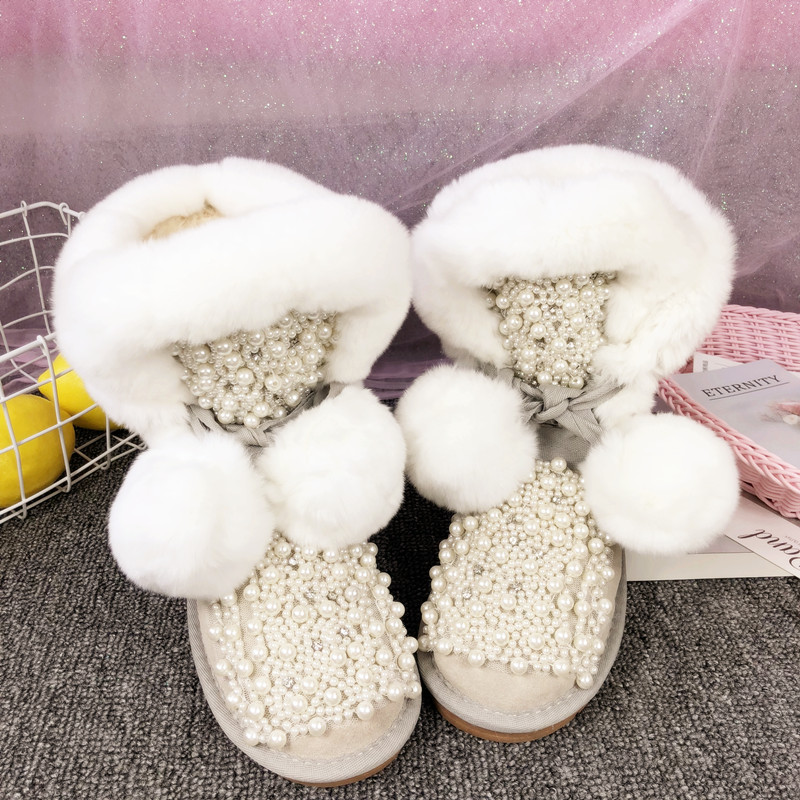 Winter new custom warm and comfortable leather rabbit fur snow boots autumn and winter rhinestone pearl female boots.Winter new custom warm and comfortable leather rabbit fur snow boots autumn and winter rhinestone pearl female boots.