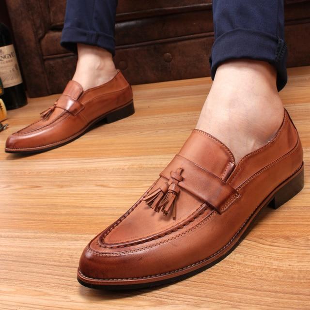 2015 Inglaterra hombres zapatos casual zapatos zapatos del elevador de cuero en punta de La Vendimia del Otoño invierno de Los Hombres de La Borla vestido de FreeShipping