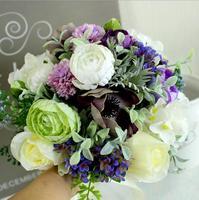 A Bouquet European white purple retro Sen Department idyllic outdoor wedding bride holding flowers party decorative bouquet