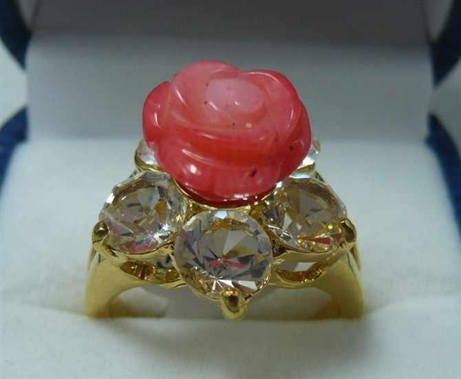 จัดส่งฟรี>>>@@ขายส่งแฮนด์เมดสีแดงดอกไม้หยก18kgp cystalแหวนสลัก(#7.8.9) #