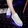 2016 Adulto Zapatos de Moda led de Alta calidad LED Zapatos Hombres Con colorido Luminous Light Up Unisex Plata Blanca Plana En la Medianoche