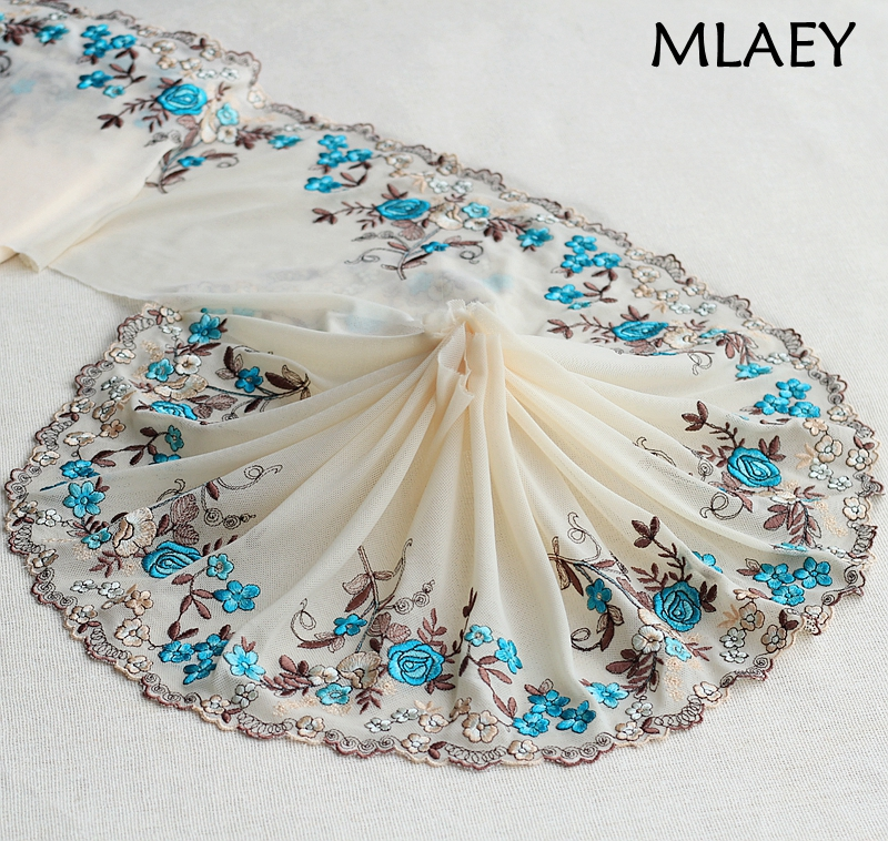 1 Yard Black //Off  White Venice Lace Venise Trim 4 3//4 inch Wide SHIPS FROM USA