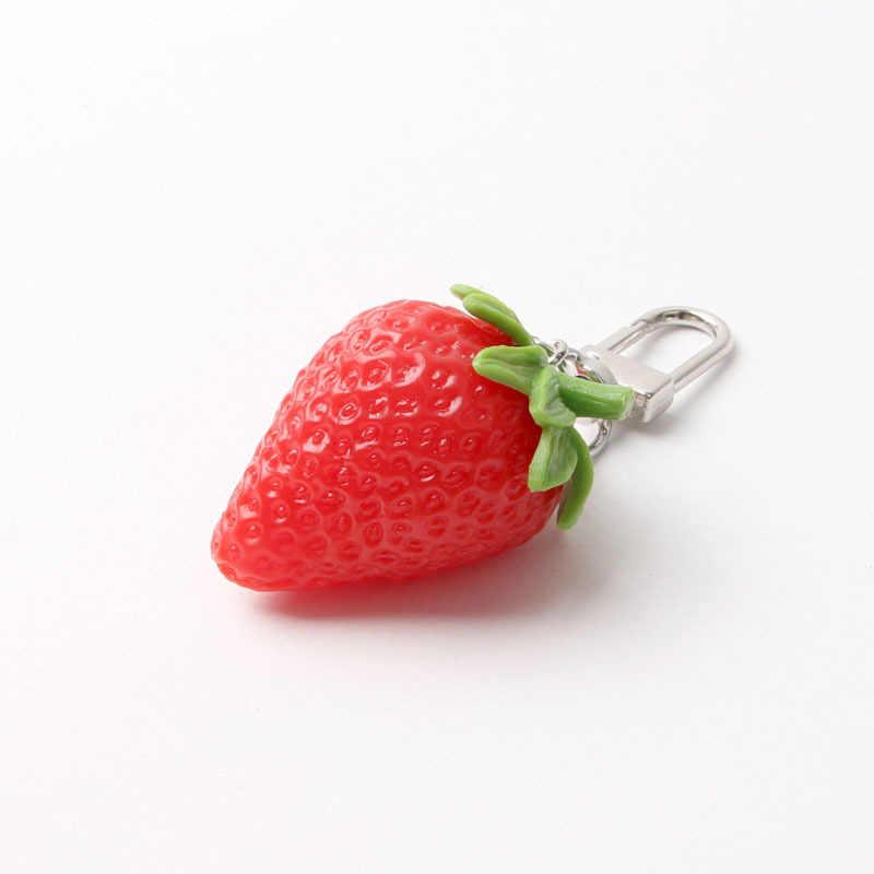 Llavero con forma de corazón rojo fresa para mujer joyería de niña llavero de fruta simulada llavero lindo llavero de coche mejor amigo regalo llavero