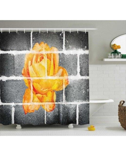 Grau Duschvorhang Orange Rose Auf Ziegel Wand Druck Fur Bad Wasserdicht Und Stoff Romantische Dusche