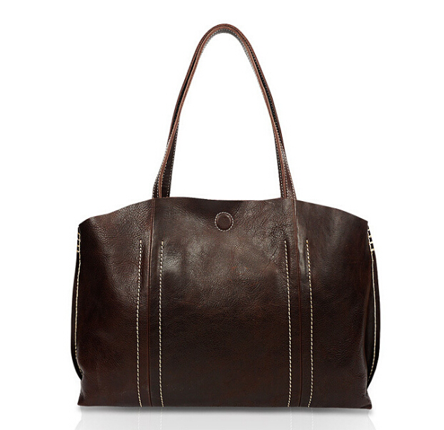 The new handbag is hand-made leather handbag with a retro one-shoulder bag and a top layer of cow leather bag.pinepoxp original hand made retro shoulder bag new vertical section of the small backpack head layer of leather sculpture leather casual