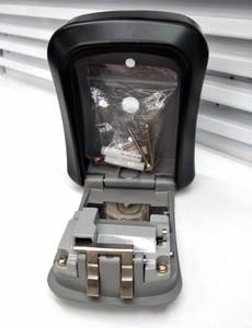 Image 3 - Caja de Seguridad para llaves de aleación de aluminio montada en la pared caja de seguridad para llaves, resistente a la intemperie, combinación de 4 dígitos, caja de almacenamiento para llaves para interiores y exteriores