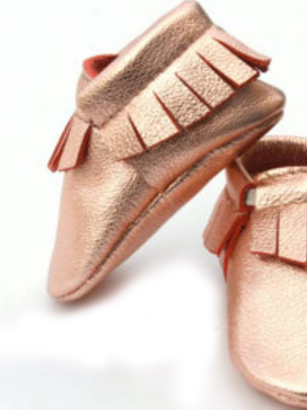 2017 new Baby moccasins rose gold of Moccs Girls fringe Soft genuine leather Baby First Walkers kid shoes zapatos bebe