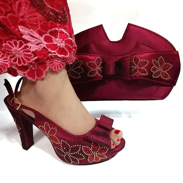 Wine color Latest Design Shoes Women Luxury 2019 Nigerian Women Wedding Shoes and Bag Set Decorated with Rhinestone Party Pumps
