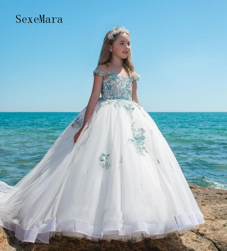 2018 Luxury Flower Girls Dresses For Weddings Sheer Neck Ball Gown First Communion Dress With Beads Appliques Custom Size2018 Luxury Flower Girls Dresses For Weddings Sheer Neck Ball Gown First Communion Dress With Beads Appliques Custom Size