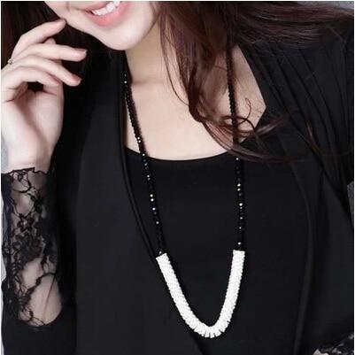 Elegant Crystal Beaded Necklace