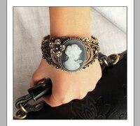 sheegior винтаж бронзовый цвет браслеты с подвесками и браслеты для для женщин полые цветок красота леди голову большой браслет бижутерии модные подарки