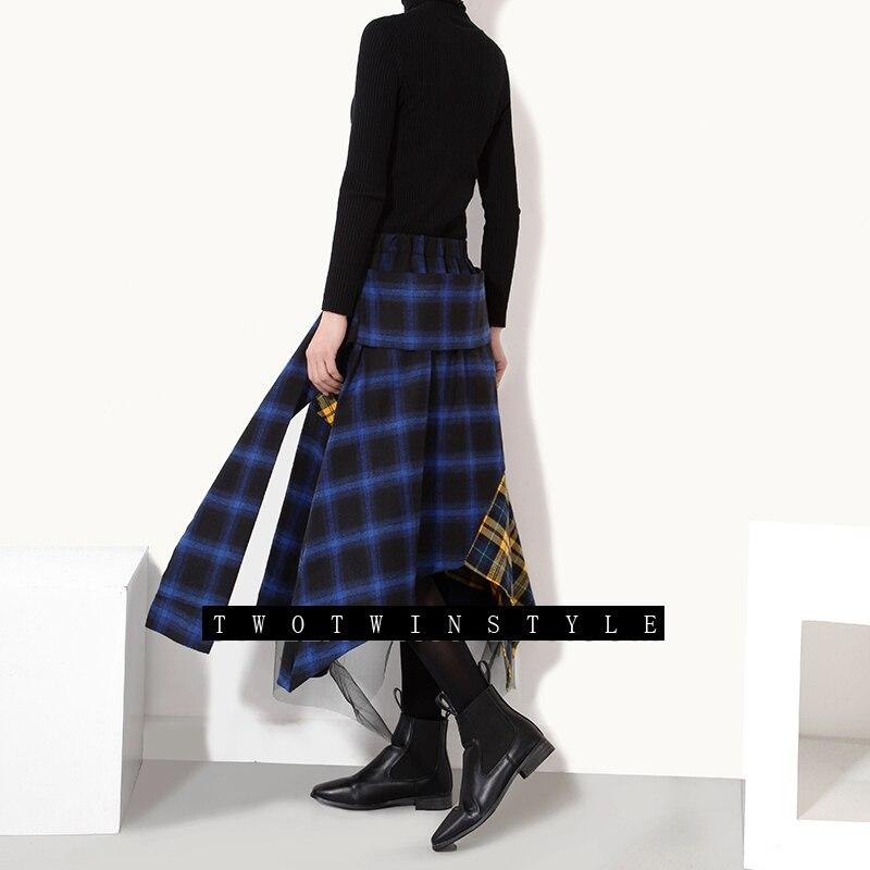 14bbc9a70 [Twotwinstyle] 2017 primavera falda hit colores del enrejado patchwork alta  cintura de las mujeres irregulares faldas nueva moda streetwear en Faldas  ...