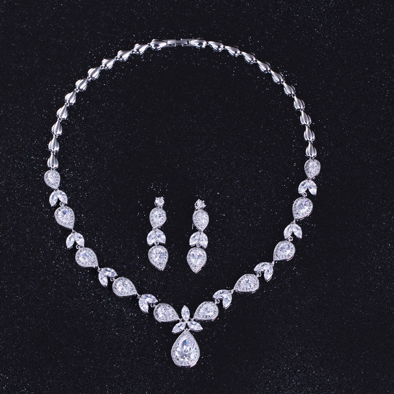 2018 New Water droplets Design Cubic Zirconia Wedding Necklace And Earrings Luxury Crystal Bridal Jewelry Sets For Bridesmaids