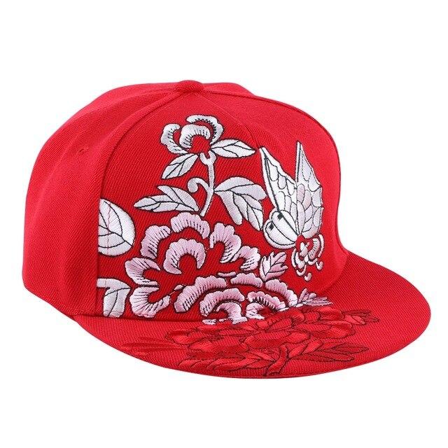 Nova moda das mulheres dos homens boné de beisebol marca branco preto  vermelho bordado flor borboleta a06b6ce0176