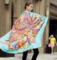 130 cm * 130 cm 2017 Nuevas Mujeres de la Llegada del Otoño Invierno de la Marca de Lujo Clásico Pluma Seda Sarga bufandas de Seda pashmina chal