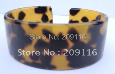 Unique France Cellulose Acetate Tortoiseshell Bangles Handmade Green Jewelry Green Environmental Friendly