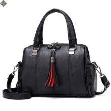Tassel Winter New Soft Leather Handbag Hign Capacity Vintage Tassel Shoulder Bags For Women Belt Buckles Shopping Tote Boston