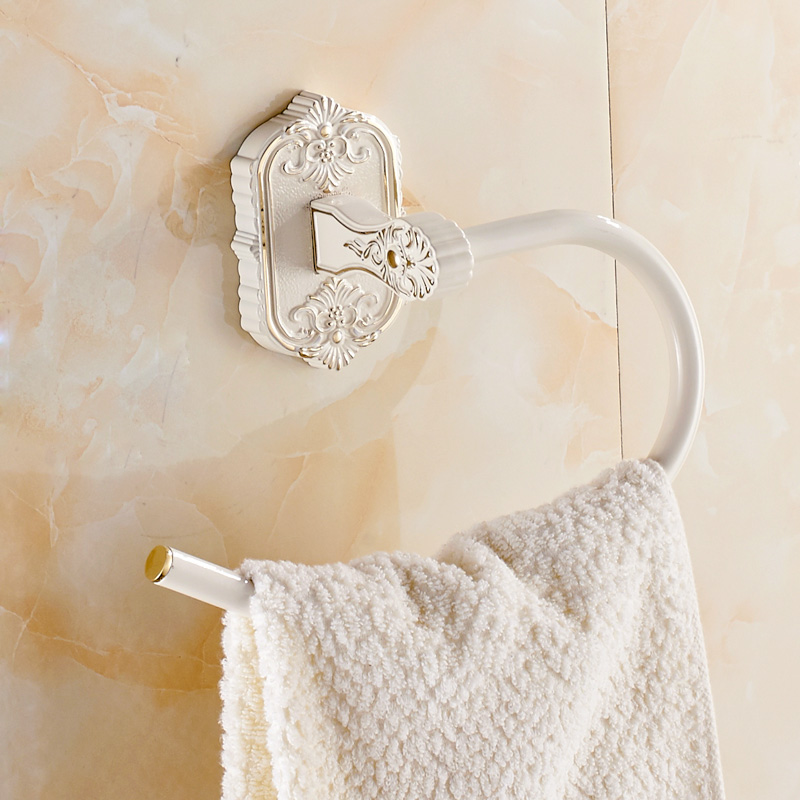 Ivory white towel ring of carve patterns or designs on woodwork Hang ring bathroom towel ring European helicopter