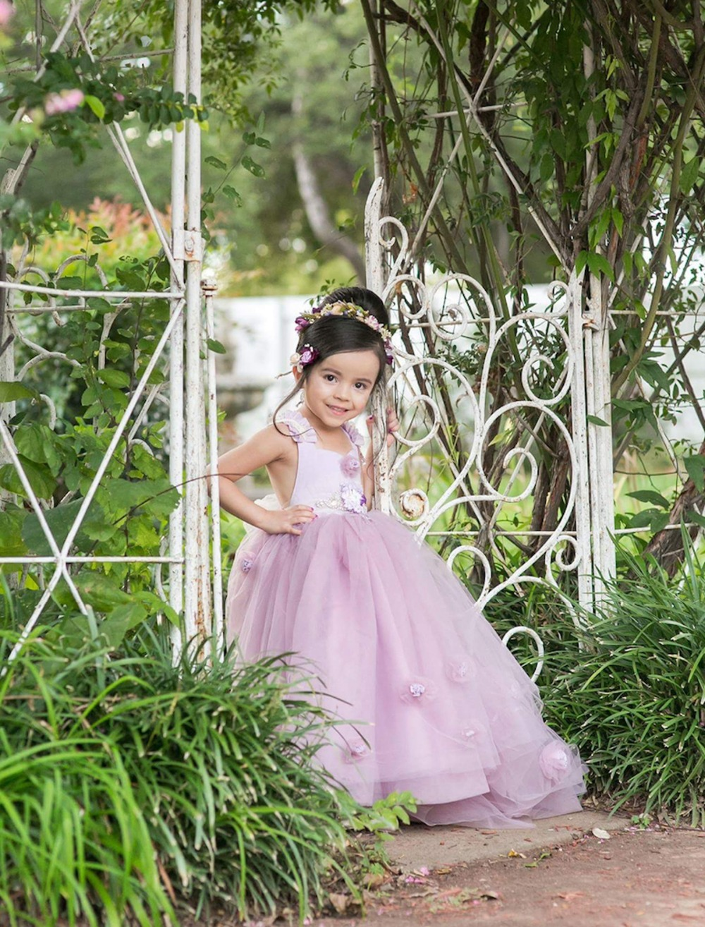 Adorable Purple Lace Tulle Baby Flower Girl Dress Sleeveless Long Floor Puffy Ball Gown with Handemade Flowers 0-12 Years Old