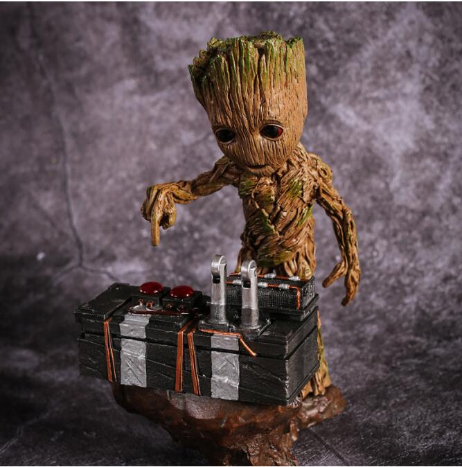 2017NEW Guardians of the Galaxy 2 DJ Tree Man Statue Resin Figure Collectible Model Toy 18cm guardians of the galaxy new guard vol 3