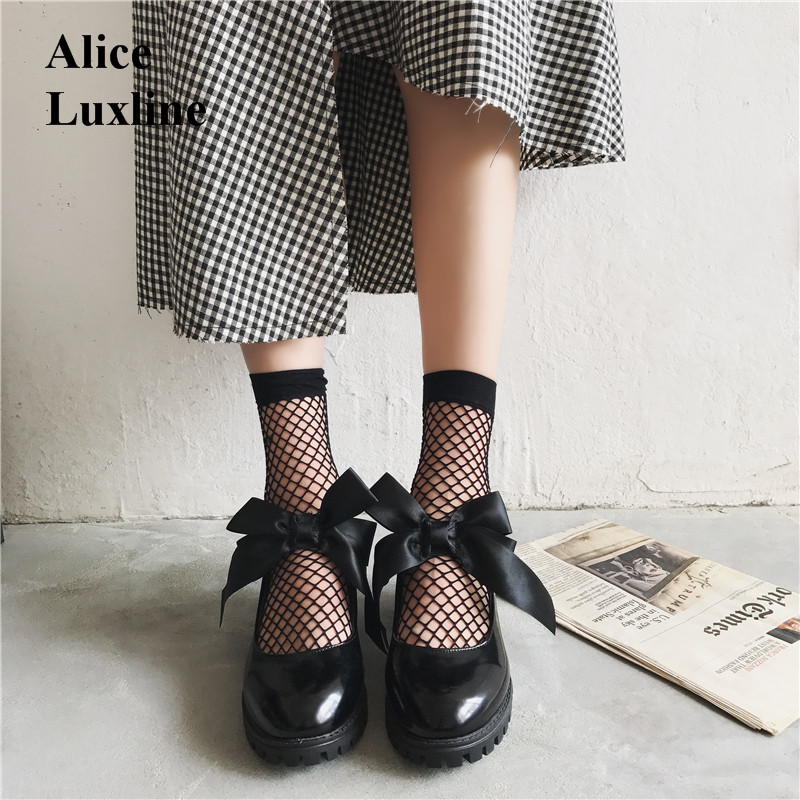 Autumn 2017 women Lolita Mary Janes Low Heel shoes Girls Sweet Bowktie casual shoes retro British leather shoes dress shoes USA sky blue red leather princess girl sweet lolita wedge mary jane shoes