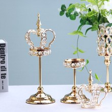 Fashion Crown Candle Holder Super Beautiful Creative Hollow Wrought Iron European Candlestick Birthday Gift Home Decoration