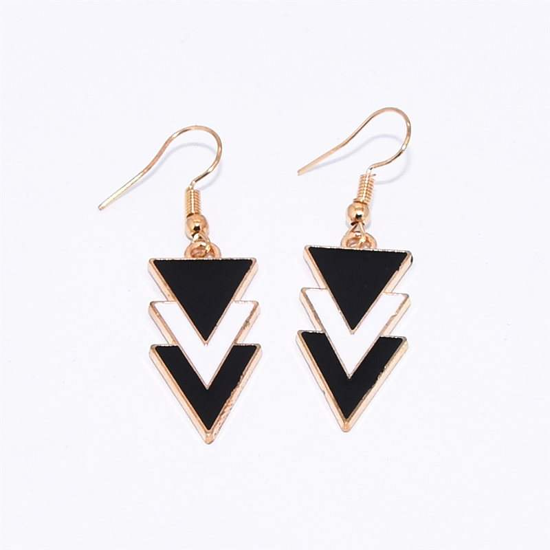 Korea Fashion Geometric Earrings Statement Black White Triangle Dangle Drop Earrings for Women Jewelry Oorbellen Aretes De Mujer 2