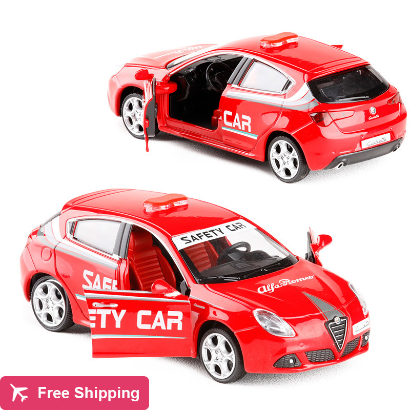1:32 Scale ALFA ROMEO Giulietta Luxury Alloy Diecast Car Model With Pull Back Sound Light For Kids Toys Car Gifts Collection