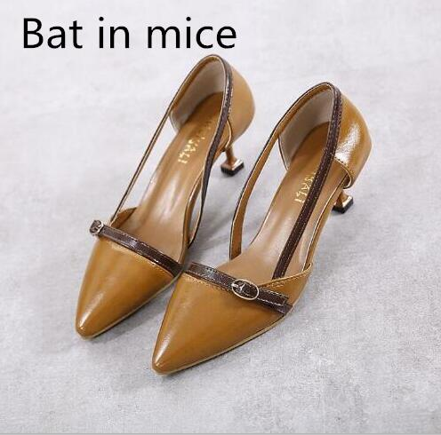 Bat in mice New in the buckle with the summer belt buckle Korean version was thin shallow mouth sandals season pointed shoes new england textiles in the nineteenth century – profits