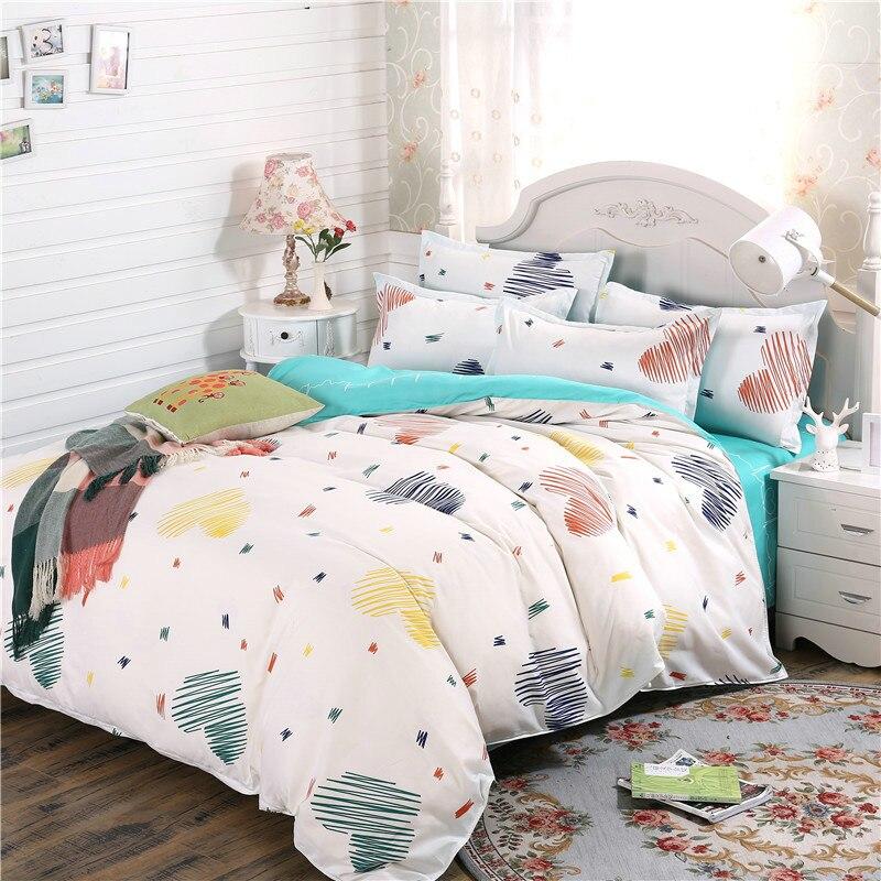 Fashion Simple White Heart-Shaped Prints Bedding Bedding Super Comfortable Soft Home Textiles Supplies 4Pcs Quilt+Bed+Pillowcase