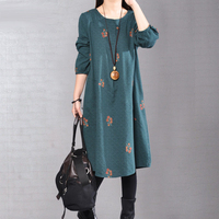 Embroidered long sleeved Dress Female literary Autumn Winter new loose Large Size Women's national wind Cotton Linen Dress A121
