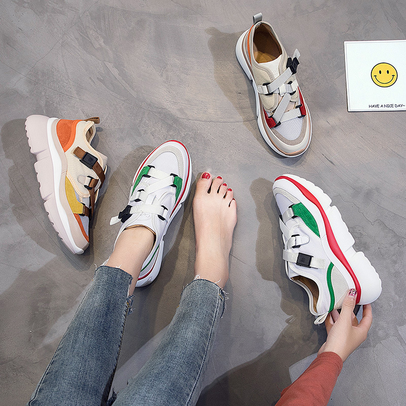 Womens shoes 2018 new casual shoes Korean version of Harajuku wild Hong Kong wind buckle super fire old shoes.Womens shoes 2018 new casual shoes Korean version of Harajuku wild Hong Kong wind buckle super fire old shoes.