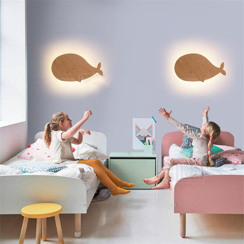 Lampe de mur LED en bois de dauphin créative moderne pour lit de chambre d'enfants Roon maternelle luminaire en bois Animal 2418