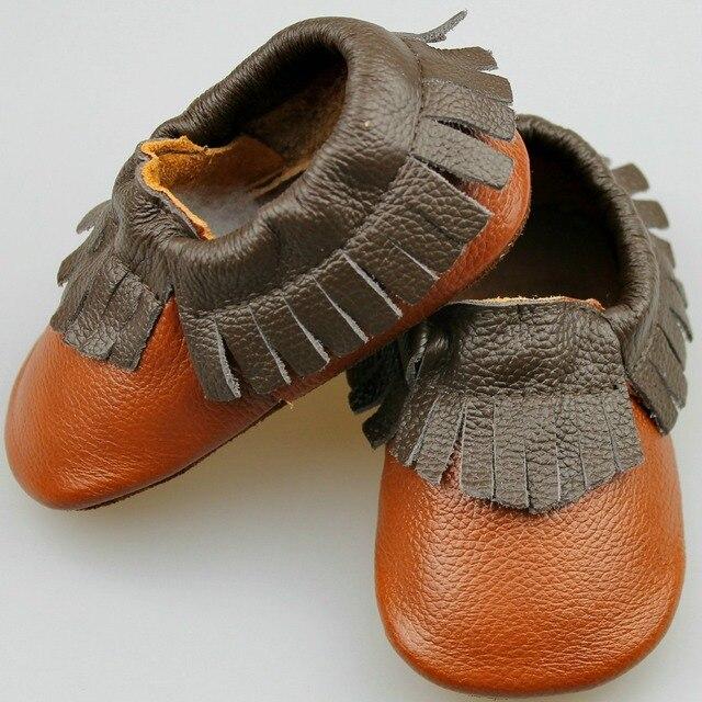2017 Новая мода коричневый смешанный цвет fringe Натуральной Кожи Детские Мокасины мягкие Девочки Мальчики Впервые Ходунки новорожденных обувь