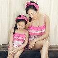 Top Quality 2015 Nova Mãe Filha Swimwear Banho Do Bebê Adorável Grade Biquíni Beachwear Família Roupas Combinando maiô