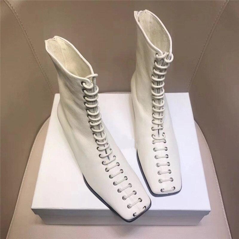 Silla władcy 2019 nowa fasada skóry wołowej botki kobieta kwadratowych toe masywne obcasy martin buty kobieta zasznurować buty damskie rycerz buty w Buty do kostki od Buty na  Grupa 2