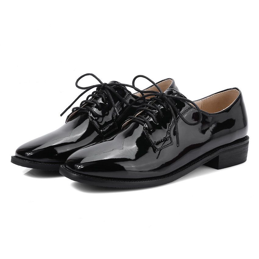 ФОТО Plus Big Size Spring Casual Women Flats Lace-up Square Toe Low Heels Derby Brogue Patent Leather Autumn Dress Red Ladies Shoes